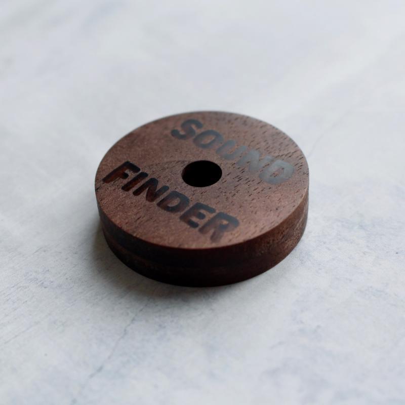 オーダーメイド7インチアダプター 【サウンドファインダーオリジナル】/ウォルナット材に文字を掘り入れて、職人が一点ずつお作りする オーダーメイドの7インチアダプターです。のその他通販・販売ならサウンドファインダー