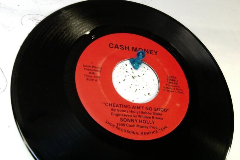 sonny holly/cheating ain't no good/thank you for loving meのシングル盤通販・販売ならサウンドファインダー