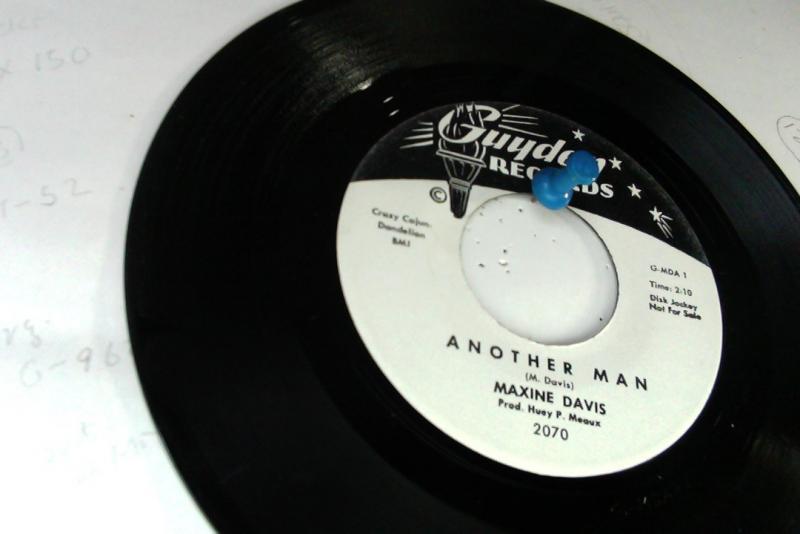 maxine davis/another man/because i love himのシングル盤 vinyl 7inch通販・販売ならサウンドファインダー