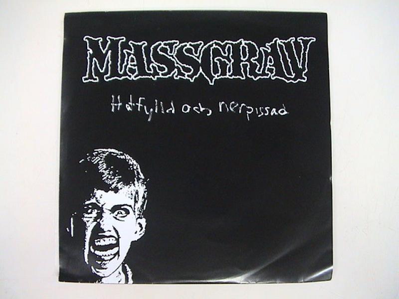 Massgrav/Hatfylld